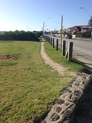 Path desire lines, Beach Road (philip.mallis) Tags: desirelines path footpath beachroad