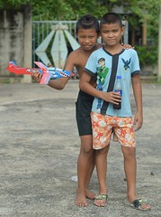 boys showing off glider (the foreign photographer - ฝรั่งถ่) Tags: sep122015nikon two boys children glider airplane khlong lat phrao portraits bangkhen bangkok thailand nikon d3200