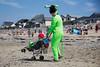 Alien on the Beach (Ktoine) Tags: alien ufo beach wtf normandy saintmartin ofni summer difraz disguise wheel