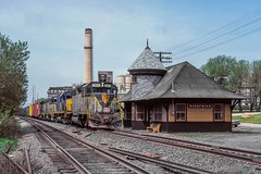 NE87 at Siegfried (douglilly) Tags: delawarehudson siegfried gp392