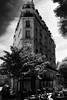 Never retrace (.KiLTRo.) Tags: paris îledefrance france fr kiltro montmartre arquitectura architecture árbol tree street cielo sky calles city