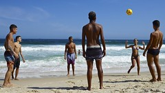 Footvolley at Copabana beach (a l o b o s) Tags: face footvolley sport futbol ball sand arena girl boys guys garotos garota cute nice beautiful water beach playa funny enjoying rio de janeiro brasil brazil have fun outdoors candid brazilian blue azul brasileño futevolei 2017 leme friends