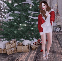 Santa Baby (Kahlan Eyre - The Kaleidoscope Closet) Tags: second life group gift christmas