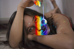 Rainbow (Tania Cervián) Tags: seleccionar woman portrait retrato rainbow arcoiris prisma luz light suelo floor red beauty canon taniacervianphotography