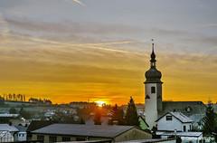 Sunrise in Trogen (GerWi) Tags: trogen sonne sonnenaufgang sunrise morgenstunde dorf kirche gebäude sonya7 sony a7 lichtstimmung himmel sky