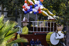 Farmers Insurance Float (Thad Zajdowicz) Tags: zajdowicz pasadena california roseparade 2018 usa outdoor outside canon eos 5dmarkiii 5d3 digital dslr color colour festive availablelight lightroom ef70200mmf4lisusm fireman firetruck driver drum drummer balloons red white blue yellow street urban city float parade farmersinsurance