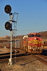 """Southbound Local in Kansas City, MO (""""Righteous"""" Grant G.) Tags: bnsf railway railroad locomotive ge power atsf santa fe ns norfolk southern local transfer freight searchlight signal"""