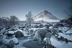 Frozen (PeterYoung1.) Tags: atmospheric atmosférico atmosphérique beautiful 아름다운 綺麗な 美麗 bellissimo красивый beau hermosa bonita glencoe falls ice gelo la glace hielo highlands buchailleetivemor landscape landschaft paisaje paysage paesaggio 景觀 風景 경치 пейзаж nature природа 자연 自然 scenic scotland scottish peteryoung1 trees uk waterfall winter cascade 滝 폭포 瀑布 водопад wasserfall