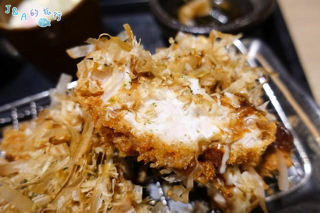 大阪燒厚切炸豬排定食香氣十足!高麗菜.白飯.味噌湯吃到飽。【新北美食】斑鳩的窩 @J&A的旅行