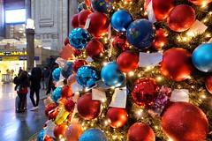 Natale in Stazione Centrale (STE) Tags: natale stazione centrale christmas tree albero sony rx100m4