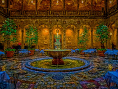 the courtyard fountain (boriches) Tags: restaurant courtyard museum art nelsonatkins city kansas