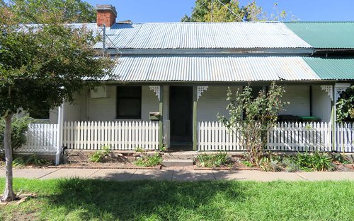 26 Rankin St, Bathurst NSW 2795