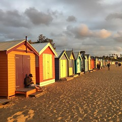 2/365 Golden light (retrokatz) Tags: beachboxes light cf18 ifttt instagram 365the2018edition 3652018 day2365 02jan18