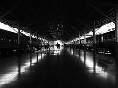 Bangkok (Nidal Jenaiah) Tags: street streetphotography strasse spain strassenfotografie person blackandwhite bw barcelona calle city cuba urban rua potrait photography landstrase wand personen town color candid shadow silueta silluet bangkok thailand trainstation