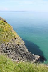IMG_3736 (avsfan1321) Tags: ireland northernireland unitedkingdom uk countyantrim ballycastle carrickarede carrickarederopebridge nationaltrust landscape green blue ocean atlanticocean scotland