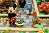 Lego Happy New Year 2018 (Pasq67) Tags: lego pasq67 afol toy toys flickr legography 2018 france minifigs minifig minifigure minifigures moc happynewyear happy new year bonneannée bonne année scoobydoo mickeymouse mickey mouse
