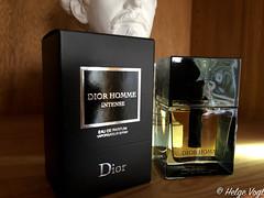 Dior Homme Intense (Laterna Magica Bavariae) Tags: dior homme intense flakon fragrance duft parfum parfüm eau toilette produktfotografie product photograph de edt edp