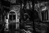 Paris im Regen (Randgruppenknipse) Tags: paris street streetart streetphotography outdoorstreet outdoor rainy regnerisch nass dunkelheit availablelight monochrome bnw blackandwhite sw schwarzweis person regenschirm treppe regen rain canon 6d canon6d