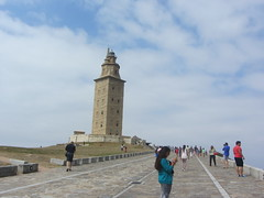 The way up to the Torre de Hercules, La Coruña Galicia, Spain (d.kevan) Tags: towers lighthouses historicbuildings romanconstructions galicia lacoruña spain paths people firstcenturyad