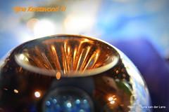 Nog een paar uurtjes (Ilona67) Tags: kersttijd bal licht binnen bokeh