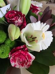 Des fleurs, (Sur mon chemin, j'ai rencontré...) Tags: fleurs flowers nature roses lys marguerites