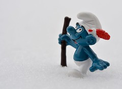 Onward (linda_lou2) Tags: odc onward 365toyproject 3365 365the2018edition 3652018 day3365 03jan18 smurf snow hiking toy