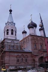 39. Установка крестов на храм святых мучениц 15.12.2014