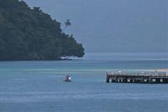 From Kwato to Logeia (Sven Rudolf Jan) Tags: papuanewguinea milnebay kwato logeia canoe sea