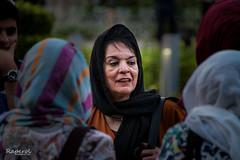Conversación (raperol) Tags: irán mujer portrait retrato woman women street airelibre