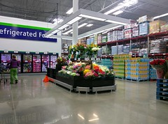 Southaven Sam's Club -- fully-stocked floral counter-island (l_dawg2000) Tags: 2017remodel apparel café desotocounty electronics food gasstation meats mississippi ms pharmacy photocenter remodel samsclub southaven tires walmart wholesaleclub unitedstates usa