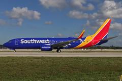 Southwest Boeing 737-800 N8681M (royalscottking) Tags: kfll fll fortlauderdale shotoniphone iphone7 iphone7plus appleiphone wn southwest boeing737 737800
