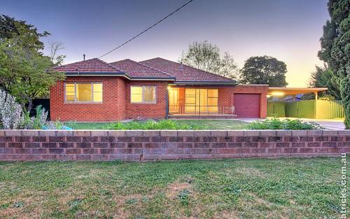 40 Manoora Avenue, Mount Austin NSW