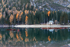 waiting for summer (Just me, Aline) Tags: explore alinevanweert italy lagodibraies pragserwildsee bergen lake meer mountains reflectie reflection sunrise zonsopkomst italië mountain bos forest water boot boten boats boat roeiboot roeiboten herfst autumn bomen trees