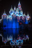 Sleeping Beauty Castle Christmas Reflection 2017 (Domtabon) Tags: christmas disneyland dl dlr disney disneylandresort sleepingbeautycastle mousewait