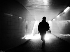 come in (René Mollet) Tags: welcome street streetphotography shadow silhouette streetart streetphotographiebw station sbb blackandwhite bw step renémollet urban urbanstreet backlight candite