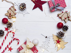 DSC_8496 (lyule4ik) Tags: christmas background winter decoration holiday branch celebration table xmas frame composition border wallpaper ornament desk flatlay mockup wedding wooden lifestyle above overhead package romantic comfort anniversary arrangement 20172018 anisestar cardribbon copyspace creativeconcept firtree fluffyplaid giftbox handicraft homecozy knittedblanket merrychristmas newyear paperpresent pinecone topview trendvintage trendypostcard whitegreen wrapper white fir green