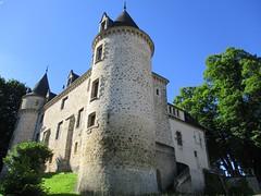 Château de Nieul (87) (Sur mon chemin, j'ai rencontré...) Tags: châteaux châteaudenieul nieul hautevienne limousin nouvelleaquitaine france georgesemmanuelclancier lheureducomte bibliothèque parcpaysager