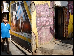 Street Art : Bandra Boran Road (indianature13) Tags: streetart wallartmumbai wallart boranroad bandra mumbai400050 bap graffiti bollywoodartproject mumbai bombay maharashtra india december 2017 indianature life society culture street people