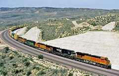2008  86235  USA (Maarten van der Velden) Tags: usa california cajonpass summit bnsf 7652 es44dc