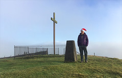 51 of 52 trig points (Ron Layters) Tags: 2017 ronlayters selfportrait 52trigpoints christmas corbarhill trigpoint cross corbarcross festive santahat summit fence pillar tp2407 fbs42767 winter cold windy hat merrychristmas peakdistrict peakdistrictnationalpark combsmoss buxton derbyshire england unitedkingdom 52weeks 52 phonecamera iphone apple appleiphone6 selftimer tripod 10secondtimer weekfiftyone week51 51 highestposition41onmondaydecember252017 explore interesting explored
