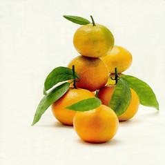 Las mandarinas (Helena de Riquer) Tags: mandarinas tangerines mandarines mandarins mandarini mandarinen タンジェリン 果物 fruita fruta fruits frutta stilllife bodegón 2017 flickr cítricos cítrics citrus citricola citrusreticulata agrume zitrus helenaderiquer photoshop sony sonydschx300 carlzeiss
