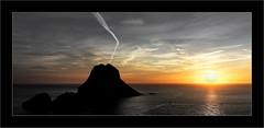 l'île de  Vedra (Jean-Louis DUMAS) Tags: biza espagne baléares rock rocher roche water islande îles sea mer sun soleil sunrise sunset ciel océan eau pierre montagne paysage crépuscule couleur colors sable plage baie sony ilca99m2
