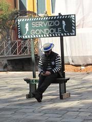 attesa...... (AGOSMI) Tags: venice attesa venezia gondola sosta su giù per fermata cappello divisa