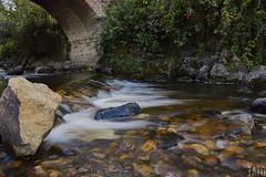 Aguas Difusas (Tato Avila) Tags: colombia boyacá colores cálido monguí agua aguadeseda piedras naturaleza nikon largaexposición arquitectura arboles vida vegetal