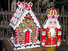Gingerbread House and Gingerbread Nutcracker (meeko_) Tags: gingerbread house cookie gingerbreadhouse gingerbreadcookie nutcracker christmas decoration christmasdecoration mrsclauscookiecabin floridawildlife tampas lowry park zoo lowryparkzoo tampaslowryparkzoo lowrypark wild christmasinthewild tampa floridachristmas christmascookie zootampa zootampaatlowrypark