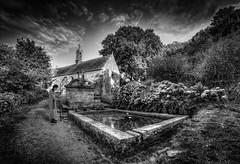 Locronan (cristgal56) Tags: locronan finistère bretagne nb chapelle