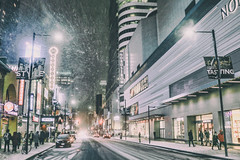 Yonge Street looking south in March 2017 (A Great Capture) Tags: storm snow snowing grey evening streetphoto streetphotography streetscape photography street calle agreatcapture agc wwwagreatcapturecom adjm ash2276 ashleylduffus ald mobilejay jamesmitchell toronto on ontario canada canadian photographer northamerica torontoexplore winter l'hiver 2017 city downtown lights urban night dark nighttime cold weather colours colors colourful colorful light cityscape urbanscape eos digital dslr lens canon 70d skyline towers tower outdoor outdoors neige schnee yonge st