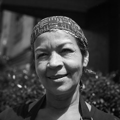 Kindness, Esperanza (RoryO'Bryen) Tags: esperanza kind woman face cara portrait retrato rollo rolleiflex tlr rolleinar1 mediumformat formatomedio mittelformat street streetphotography streetlife streets bogotá 120mm ilfordfp4 iso125 film analogue analoguephotography argentique roryobryen copyrightroryobryen colombia colombie encounters