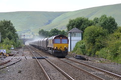 66232 passing Edale Signalbox with the 6E51 Peak Forest to Selby loaded limestone, 9th July 2015. (Dave Wragg) Tags: 66232 class66 ews 6e51 edale derbyshire valeofedale hopevalleyline loco locomotive railway
