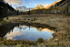 It's easier to resist at the beginning than at the end… (ferpectshotz) Tags: maroonbells colorado fallfoliage fallcolors autumn mountains pond reflections sunrise morning